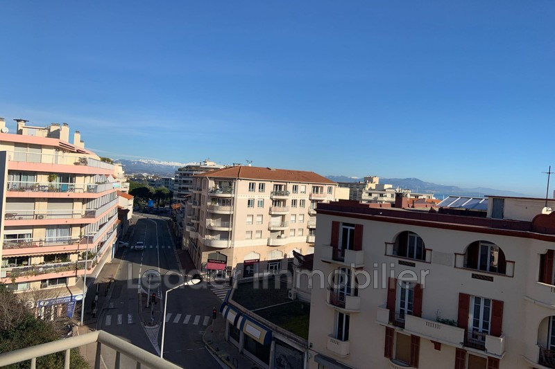 appartement  2 rooms  Antibes Downtown  65 m² -