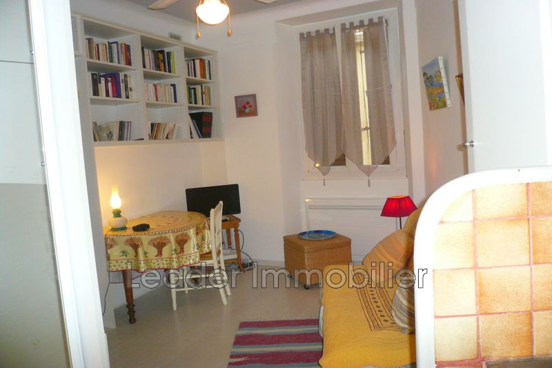 appartement  2 rooms  Antibes Downtown  25m² -