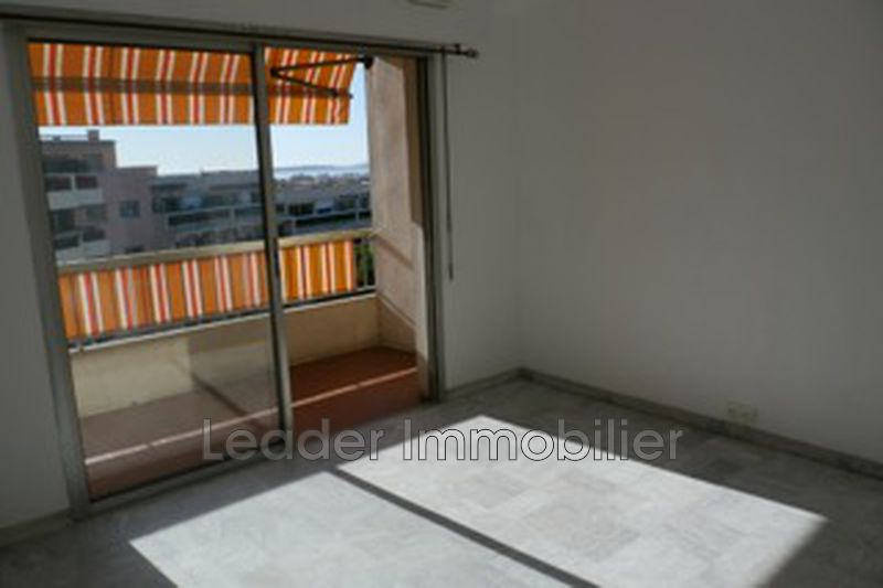 appartement  1 room  Antibes Downtown  23m² -