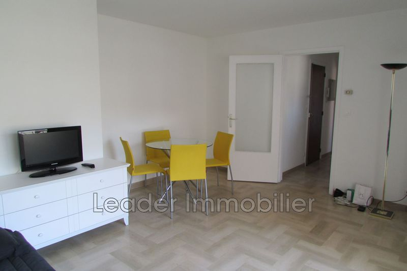 appartement  1 room  Antibes Downtown  28m² -