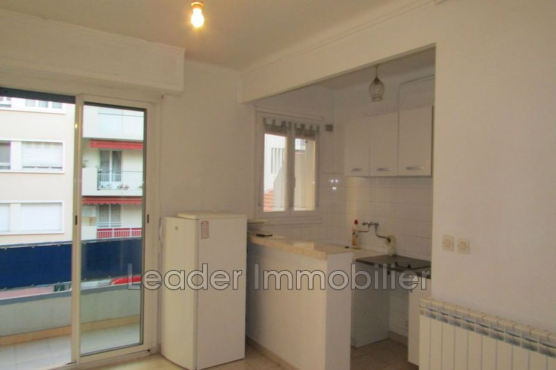 appartement  studio  Antibes Centre-ville  26 m² -