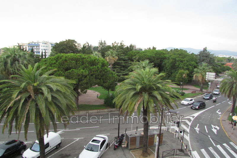 appartement  3 rooms  Antibes Downtown  58 m² -