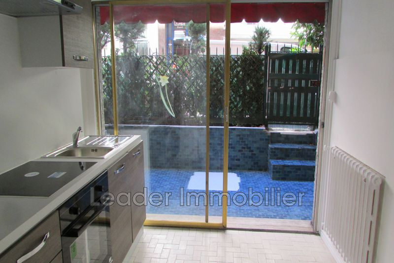appartement  2 rooms  Antibes Downtown  44m² -