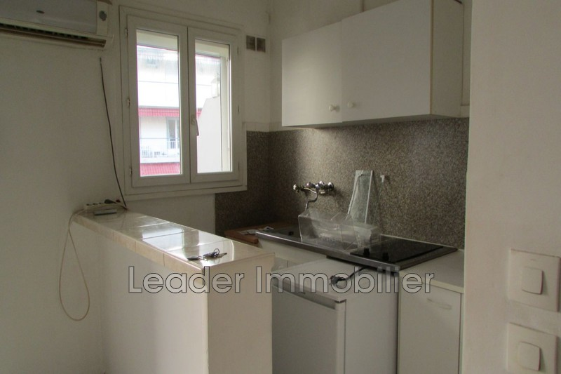 appartement  studio  Antibes Centre-ville  28 m² -