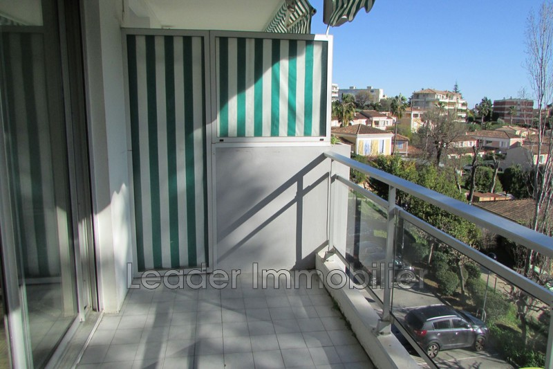 appartement  1 room  Antibes Rabiac estagnol  30 m² -