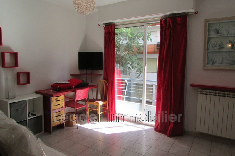 appartement  1 room  Antibes Downtown  34 m² -