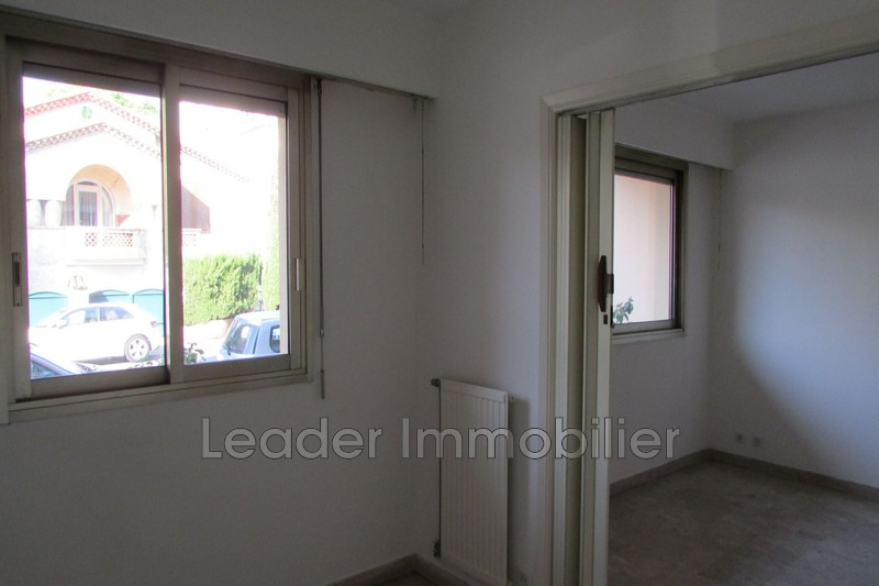 appartement  2 rooms  Juan-les-Pins Downtown  40 m² -