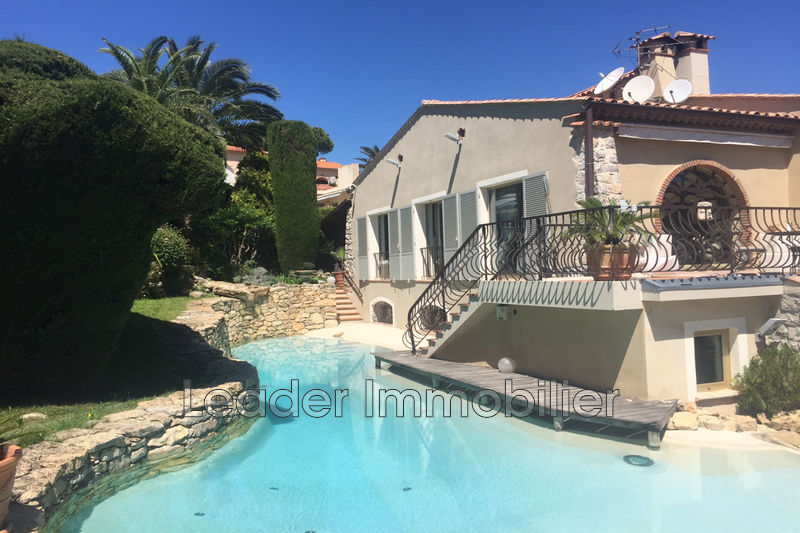 maison  6 rooms  Antibes Puy  257m² -