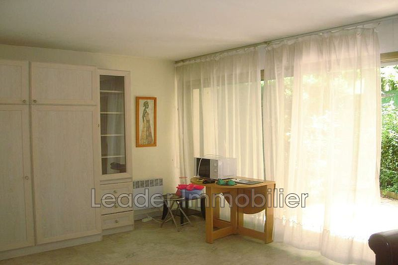 appartement  1 room  Antibes Puy  33 m² -