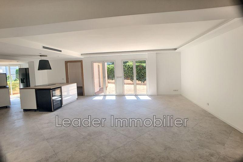 appartement  4 rooms  Juan-les-Pins Cap  115m² -