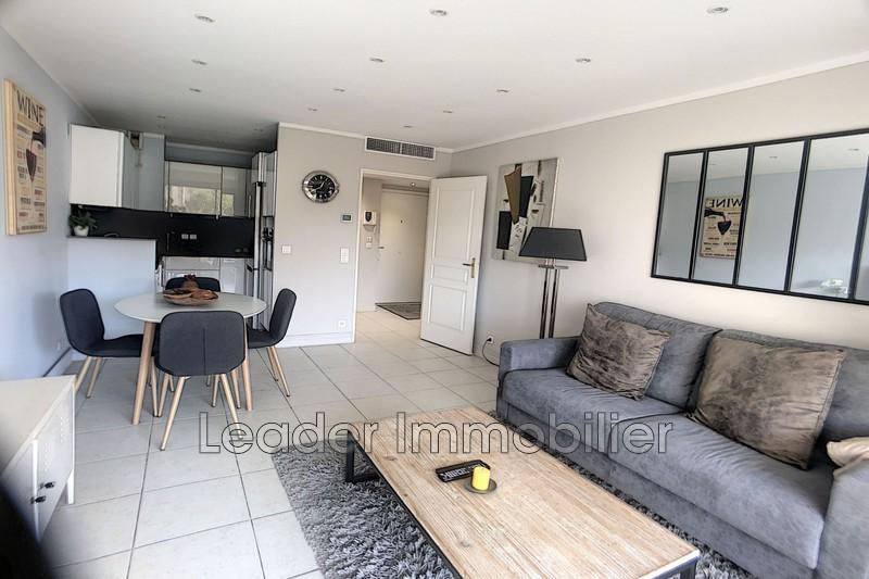 appartement  2 pièces  Antibes Centre-ville  46m² -