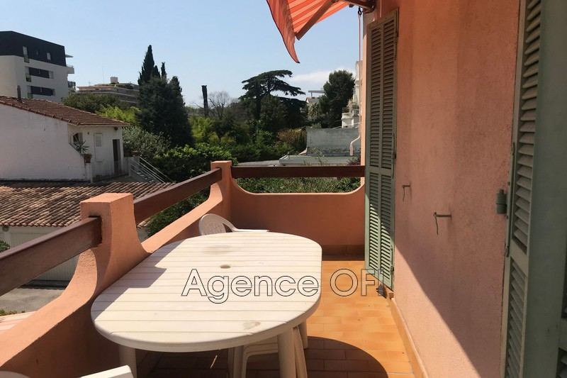 Photo n°2 - Location appartement Juan-les-Pins 06160 - 830 €