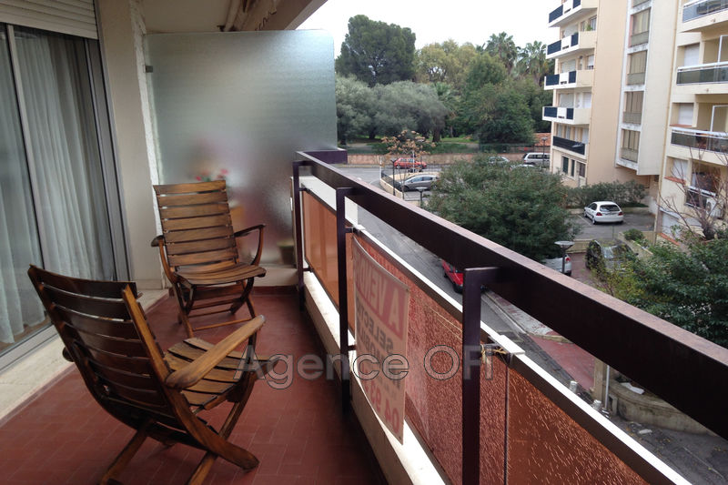 Photo n°1 - Vente appartement Juan-les-Pins 06160 - 245 000 €
