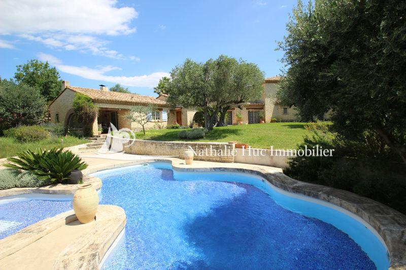Photo Villa provençale Saint-Estève   achat villa provençale  5 chambres   300m²