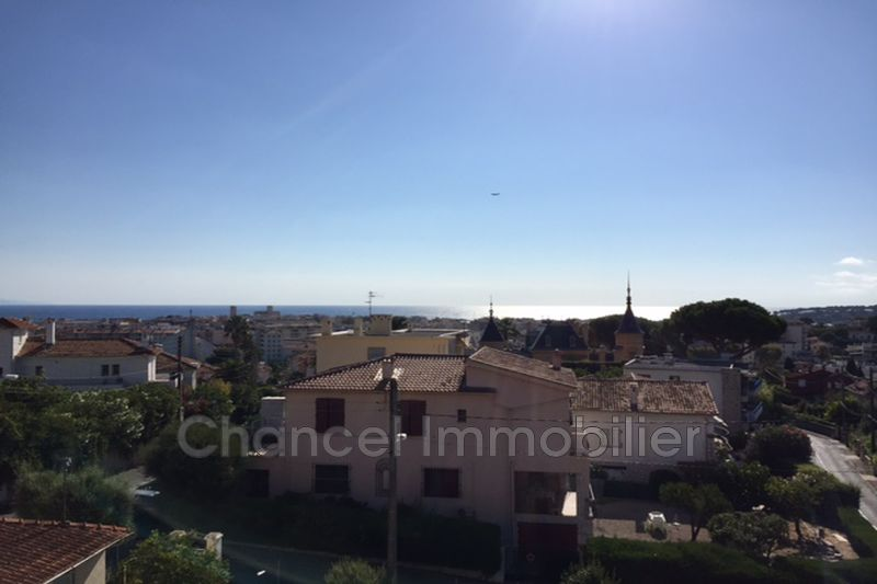 Photo Appartement Antibes Centre-ville,  Location appartement  4 pièces   140 m²