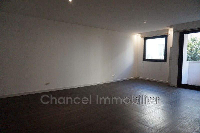 Photo Appartement Antibes Place de gaulle,   achat appartement  3 pièces   63 m²