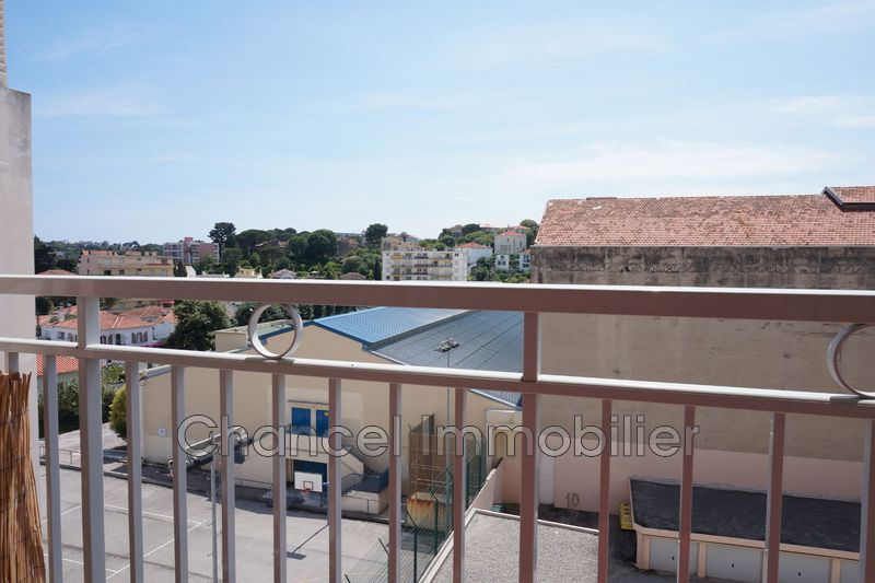 Photo Appartement Antibes Centre ville ,   achat appartement  3 pièces   53 m²