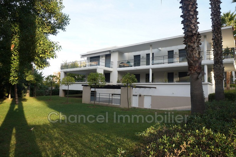 Apartment Juan-les-Pins Bord de mer,   to buy apartment  3 rooms   68 m²
