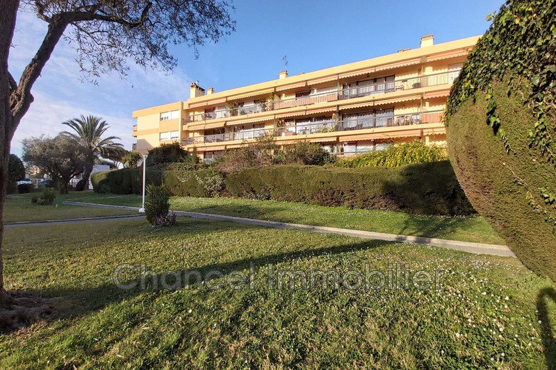 Photo Appartement Antibes 4 chemins,   achat appartement  4 pièces   82 m²