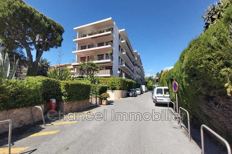 appartement  1 room  Antibes   21 m² -