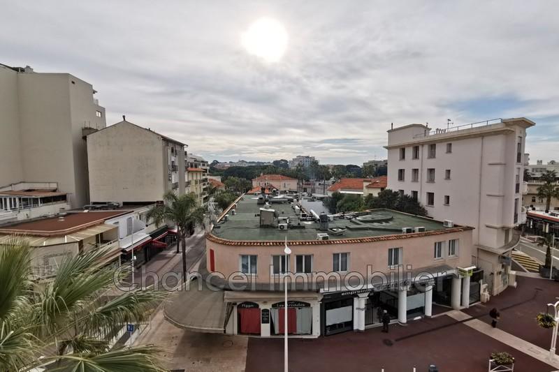 appartement  2 rooms  Juan-les-Pins Juan plages  31m² -