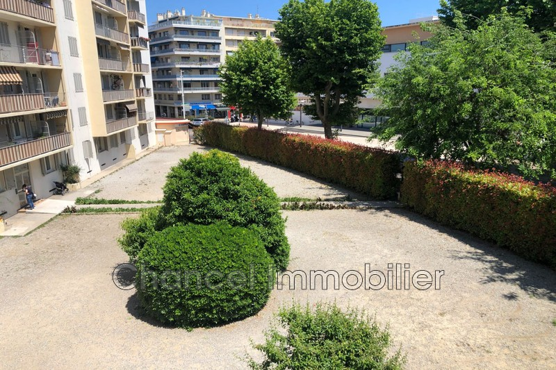 appartement  3 pièces  Antibes Centre-ville  45m² -