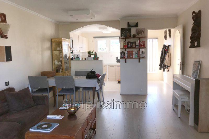 appartement  3 pièces  Golfe-Juan   65m² -