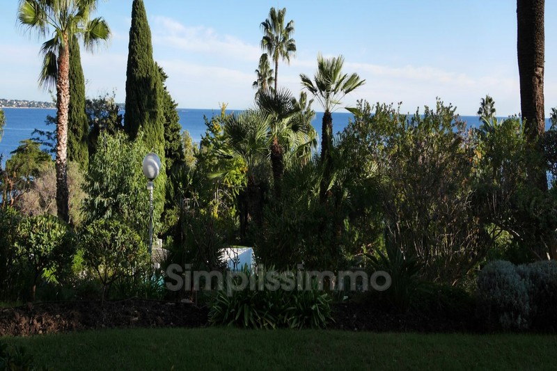 appartement  1 room  Golfe-Juan Seaside  17 m² -