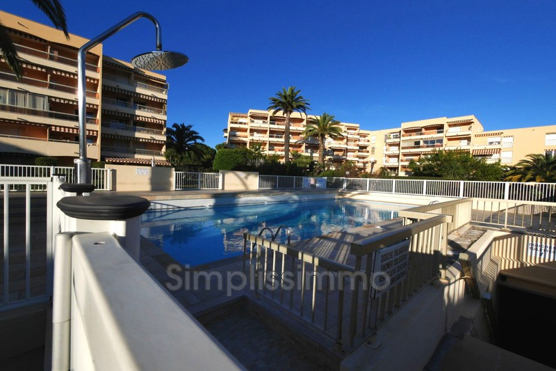 appartement  1 room  Golfe-Juan Close ti the beaches  23 m² -