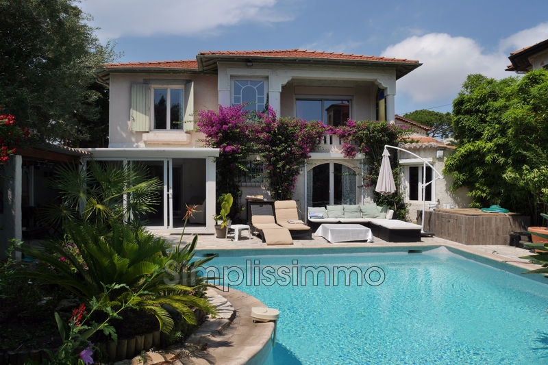 maison  6 rooms  Juan-les-Pins Close ti the beaches  180m² -