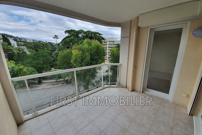 Photo n°1 - Location appartement Cannes 06400 - 1 200 €