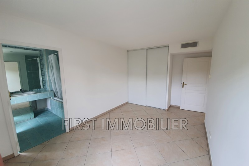 Photo n°11 - Location appartement Cannes 06400 - 1 200 €