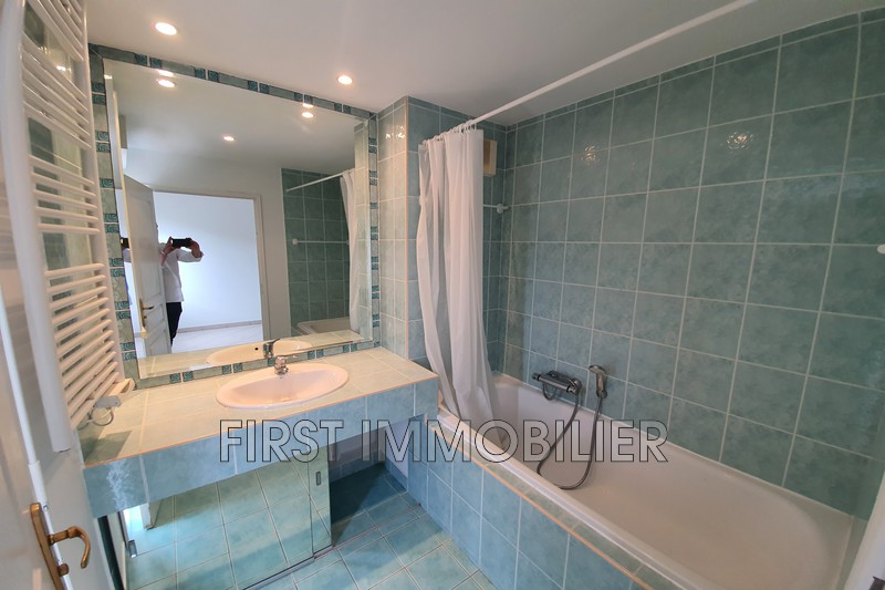 Photo n°12 - Location appartement Cannes 06400 - 1 200 €