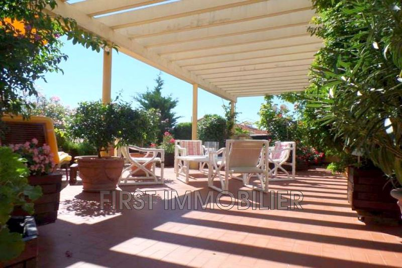 Photo Appartement Cannes Centre-ville,   to buy appartement  2 rooms   70m²