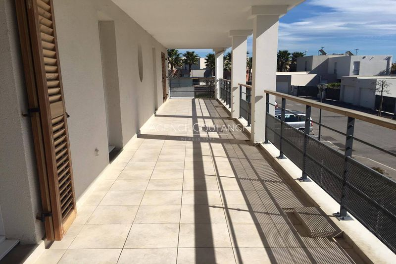 Photo Appartement La Ciotat Roumagoua,  Location appartement  3 pièces   68 m²