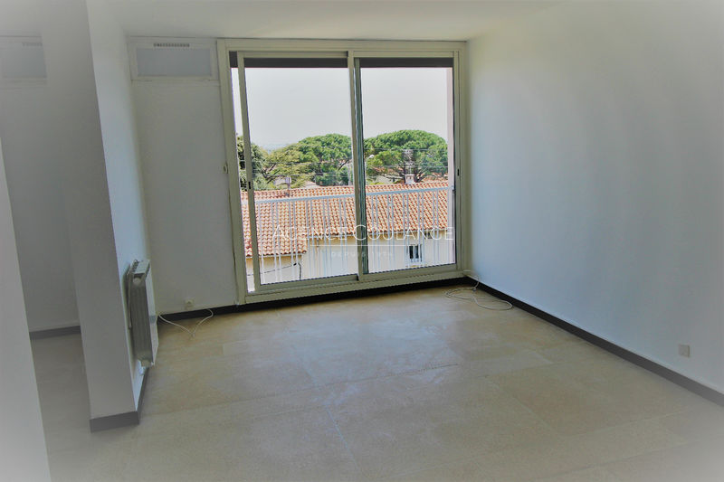 Photo Apartment La Ciotat Quartier des crêtes,  Rentals apartment  3 rooms   59 m²
