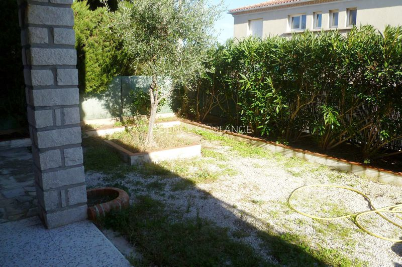 Photo Apartment La Ciotat Périphérique centre ville,  Rentals apartment  2 rooms   30 m²