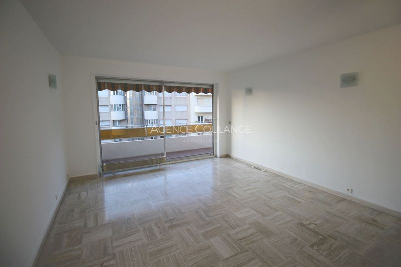 Photo Appartement Marseille Centre-ville,  Location appartement  3 pièces   72 m²