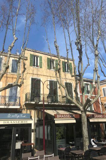 Appartement Saint-Cyr-sur-Mer Centre-ville,  Location appartement  2 pièces   44m²