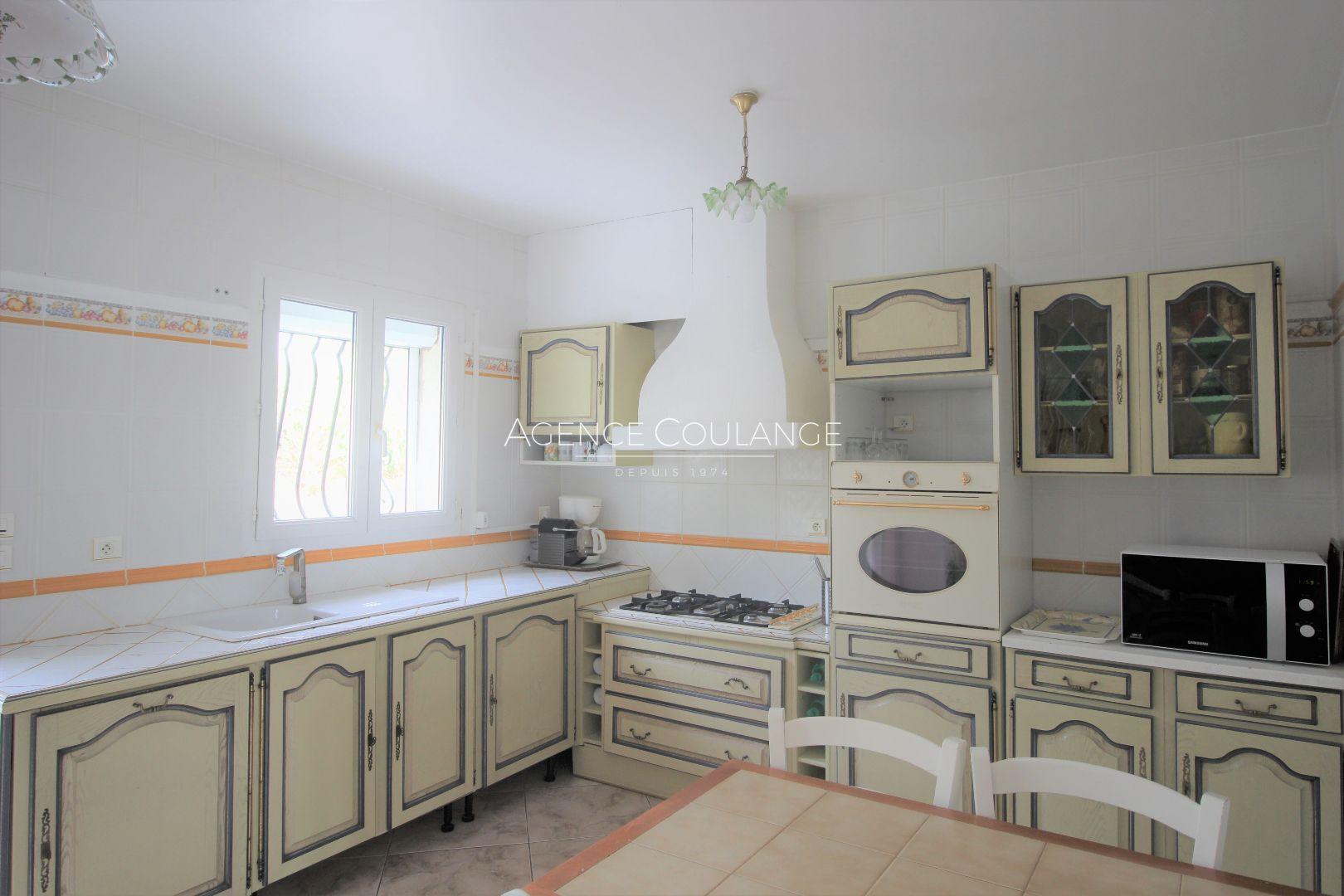 Vente maison villa saint cyr sur mer 83270 550 000 for Garage citroen saint cyr sur mer