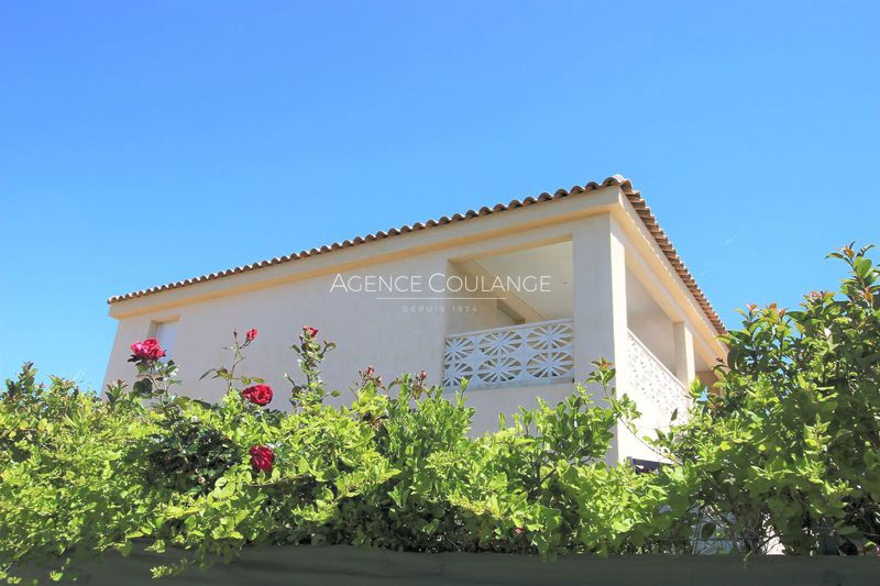 Villa Saint-Cyr-sur-Mer   to buy villa  5 bedrooms   155 m²