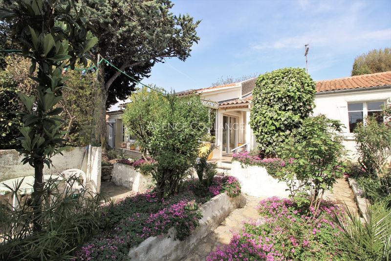 Photo House Saint-Cyr-sur-Mer Centre-ville,   to buy house  4 bedrooms   116m²