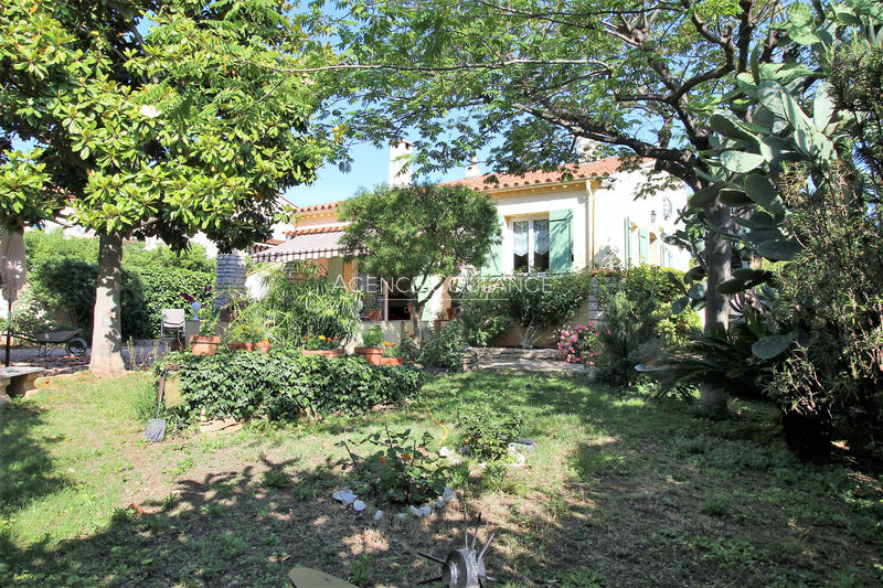 Villa La Ciotat Proche centre ville,   to buy villa  4 bedrooms   120 m²
