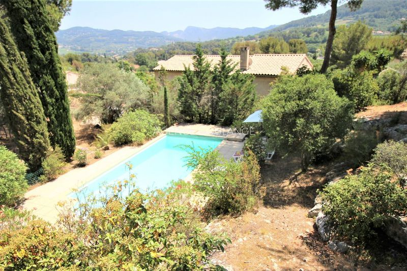 Villa La Cadière-d'Azur   achat villa  4 chambres   176m²