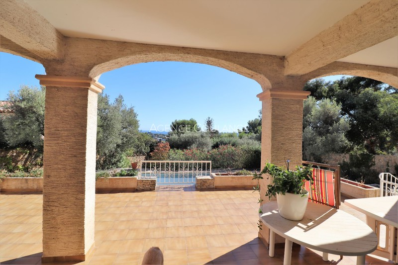 Photo Villa La Ciotat   to buy villa  6 bedrooms   225 m²