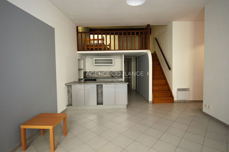 Photo Apartment La Ciotat Centre-ville,   to buy apartment  3 rooms   82 m²