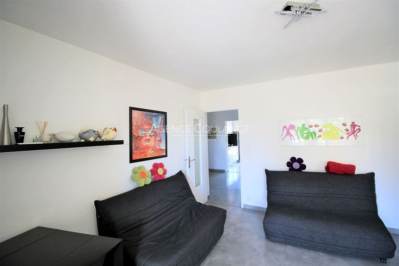 Photo n°1 - Vente appartement Saint-Cyr-sur-Mer 83270 - 245 000 €