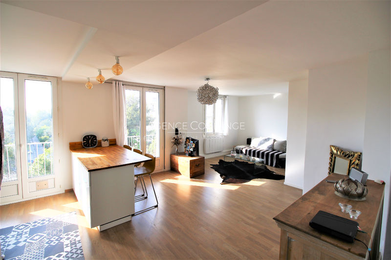 Photo Apartment Marseille   to buy apartment  3 rooms   62 m²