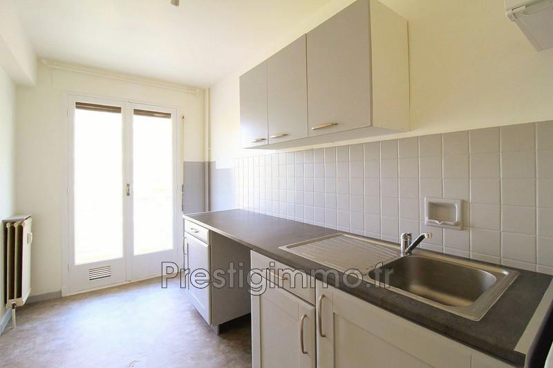 appartement  1 room  Juan-les-Pins Downtown  38m² -