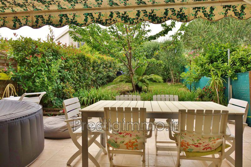 Maison Antibes Proche ville au calme,  Location maison  3 chambres   74m²